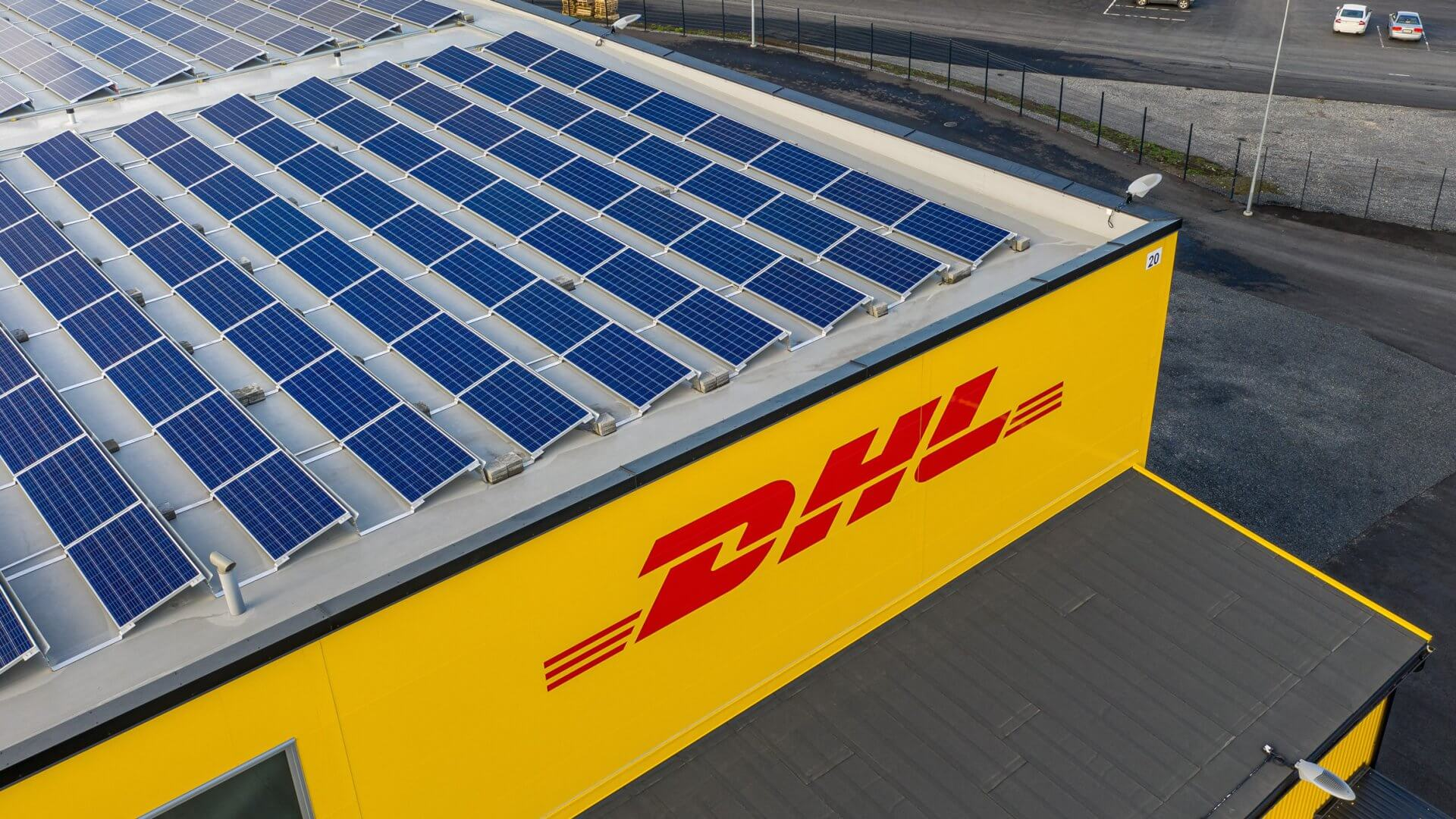 DHL:n jakelu- sekä logistiikkakeskus sekä toimistotilat Pirkkalaan 9