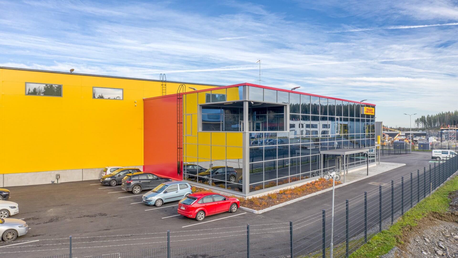 DHL:n jakelu- sekä logistiikkakeskus sekä toimistotilat Pirkkalaan 10