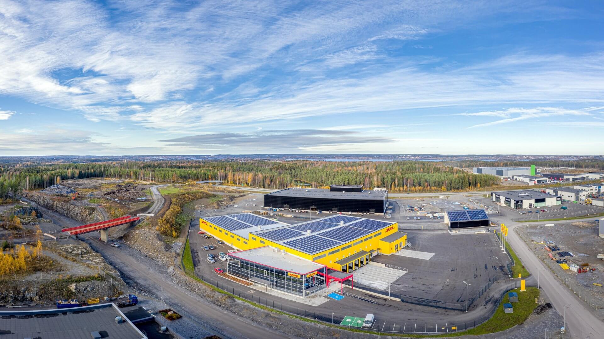 DHL:n jakelu- sekä logistiikkakeskus sekä toimistotilat Pirkkalaan 8