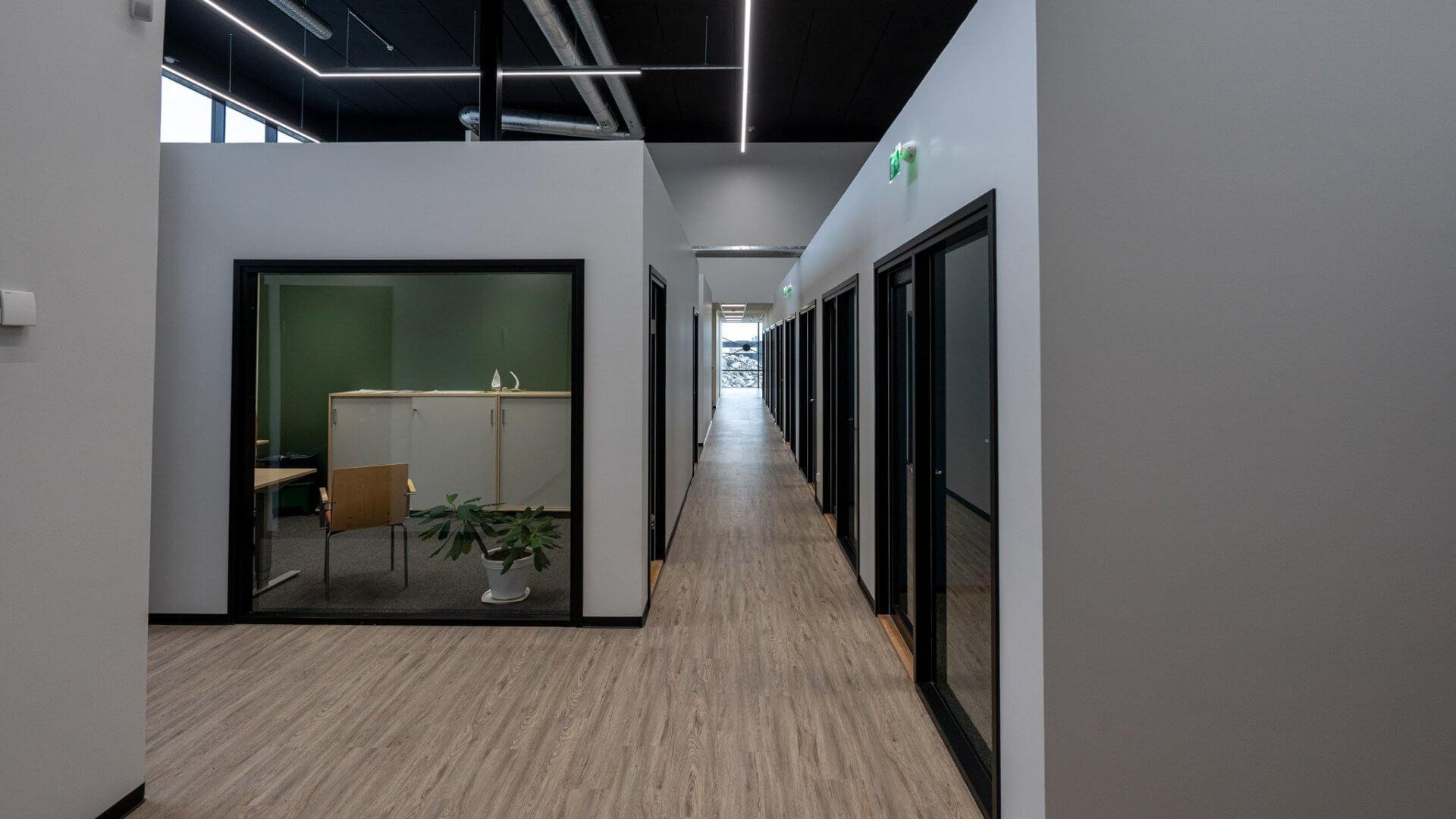 Linnakallio Magnum, toimisto- ja tuotantotiloja useammalle yritykselle. 3