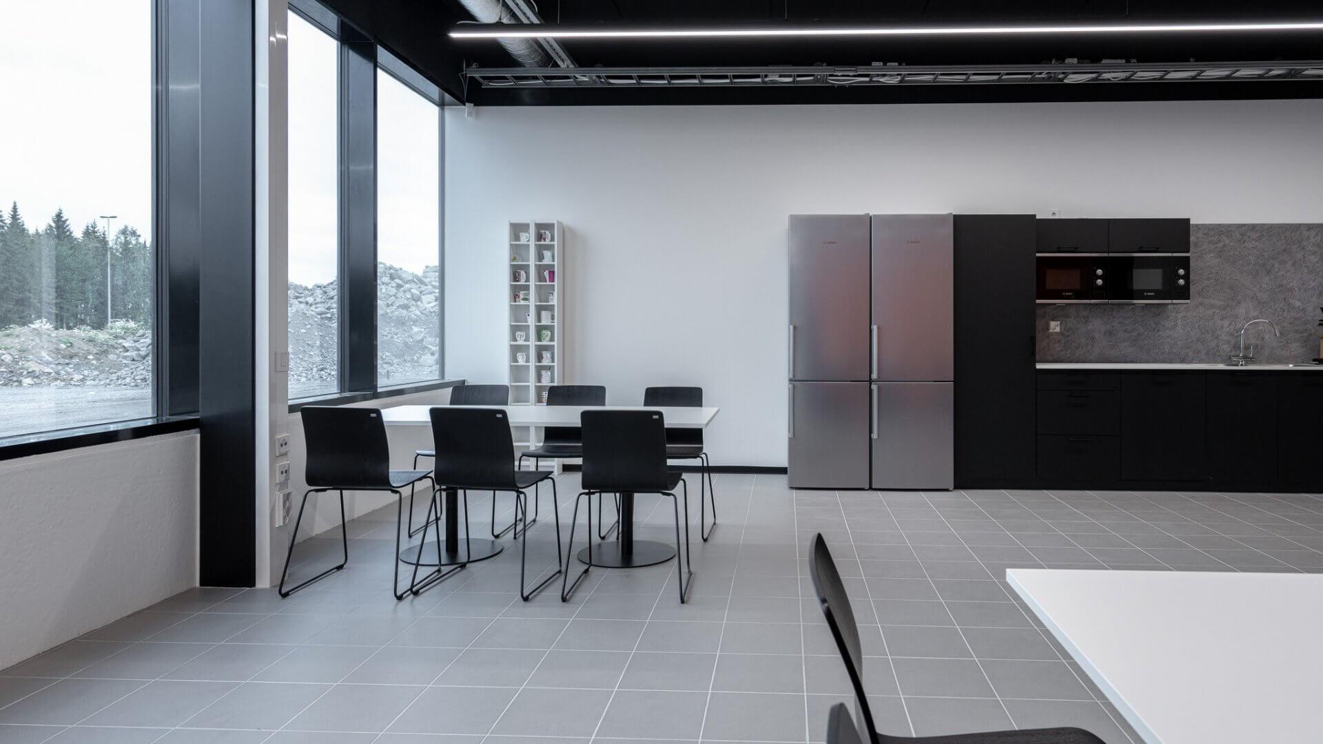 Linnakallio Magnum, toimisto- ja tuotantotiloja useammalle yritykselle. 7