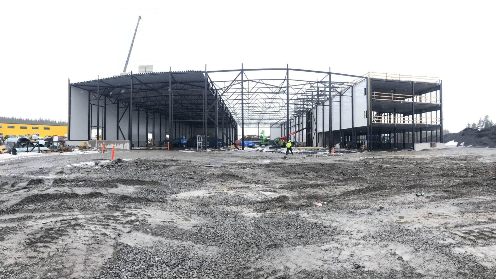 Linnakallio rakennus C, toimisto- ja tuotantotiloja useammalle yritykselle. 1